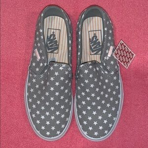 New Women's Size 6 VANS Loafers Slip-on
